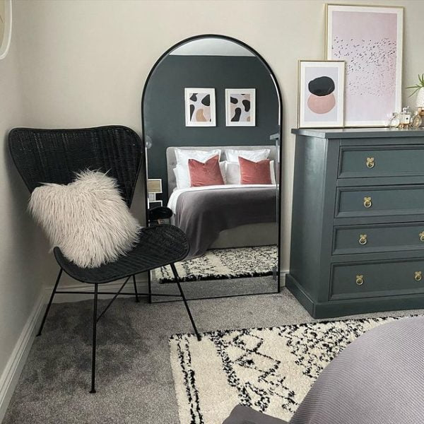 black porto wing chair 2