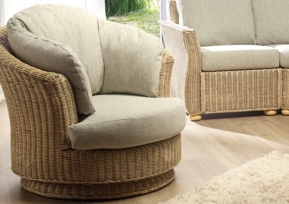 CORSICA Lyon Wicker Swivel Chair