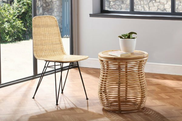 natural porto dining chair and royal table lifestyle