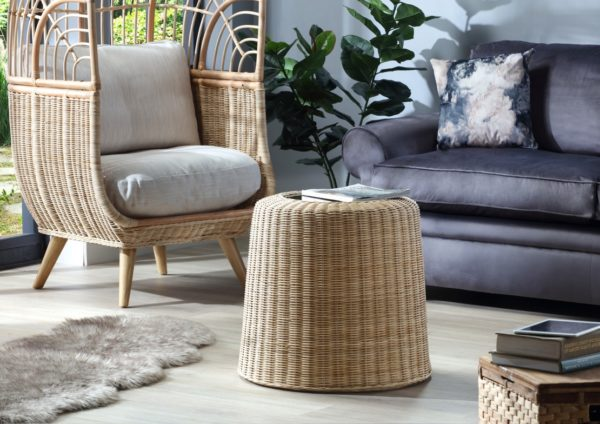Woven-round-lamp-table-in-natural