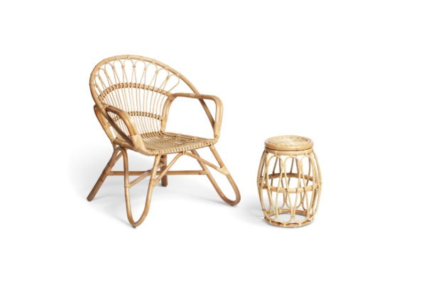 natural nordic chair and beijing lamp table