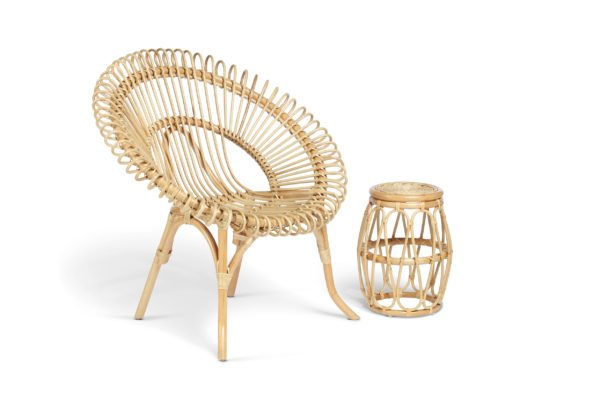 natural shanghai chair and beijing lamp table